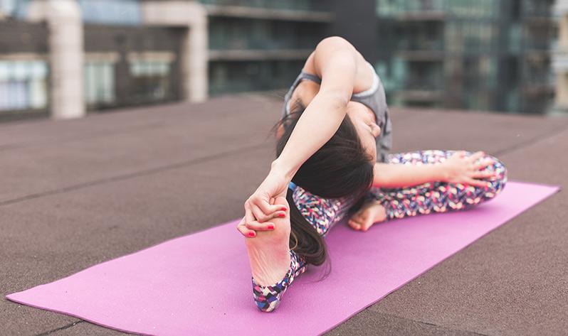 Beneficios del yoga para tu forma física - Articulaciones