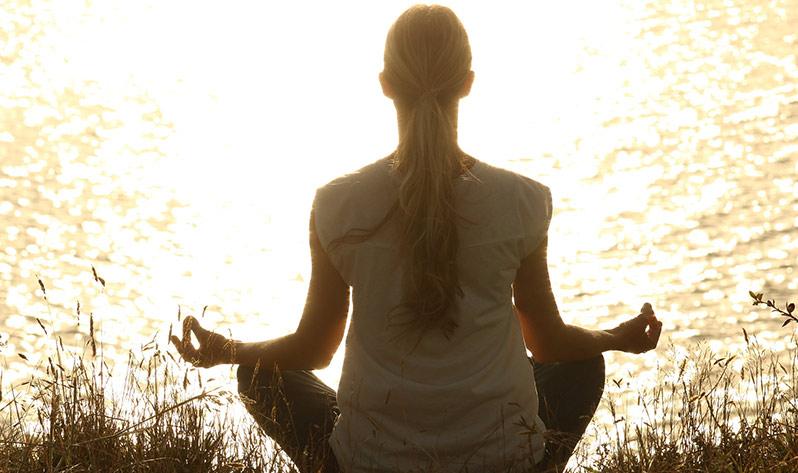 Conoce los 8 principios del yoga - Portada