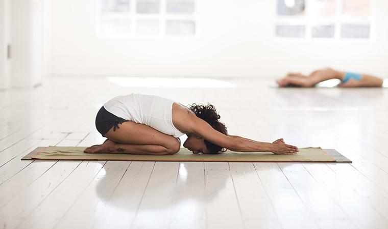 Qué es el yin yoga - Portada