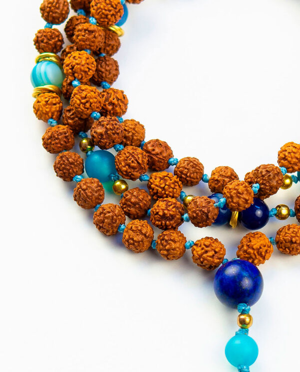 japamala-rudraksha-azul-detalle-piedra