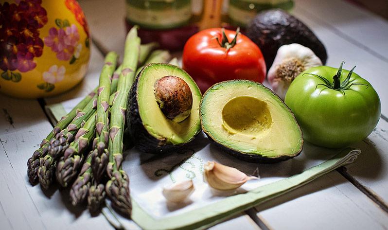 Qué comer en verano para mejorar tu bienestar - Aguacate