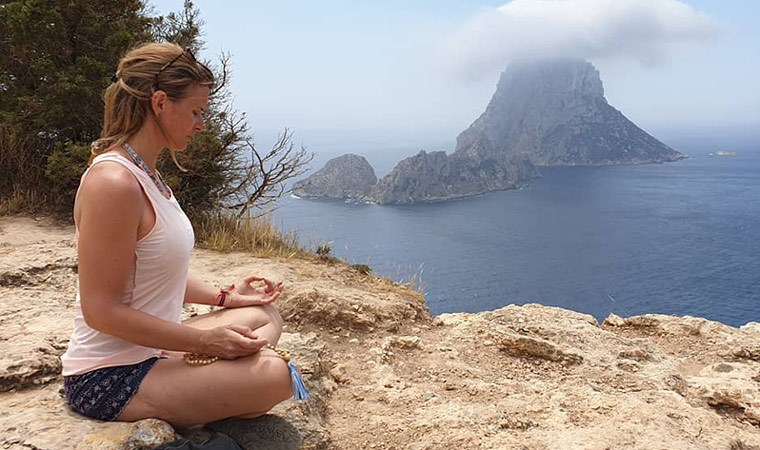 Llévate tu Japa Mala para meditar estas vacaciones - Portada