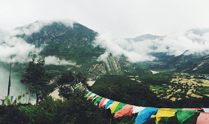 Conoce mejor el Tíbet, una de las cunas de las Japa Malas - Banderas (Montaña)