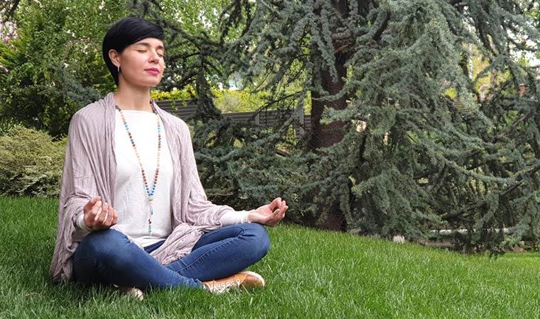 Japa Malas y pulseras de cuarzo al 20% - Portada meditar