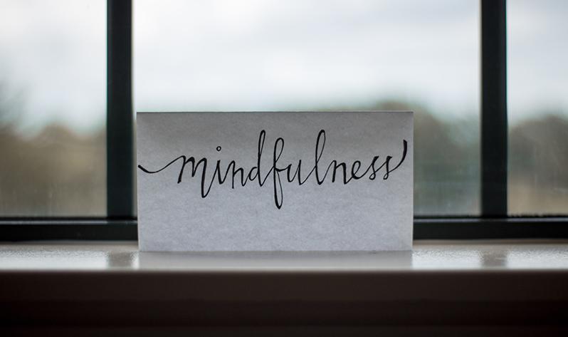 Meditación para calmar la mente y el estrés estos días en casa - Minfulness