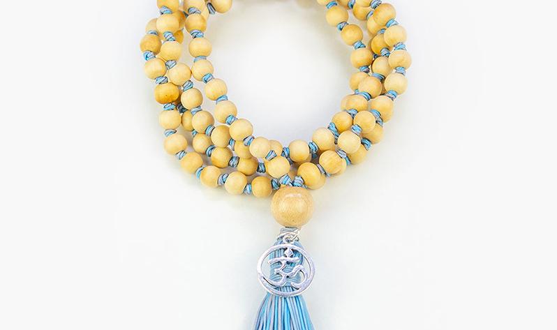 Equilibra el chakra de la garganta con nuestras Japa Malas y gemas - Japa Mala Nudos Cielo