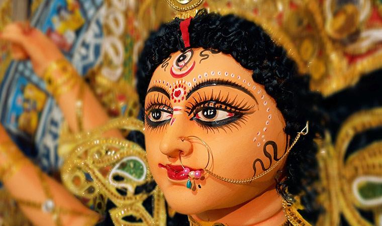 Durga, la diosa hindú que nos ayuda a sacar nuestra fuerza interior - Portada