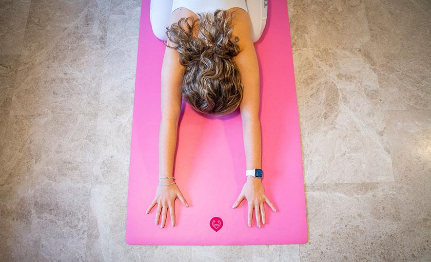 Por qué empezar a practicar yoga ahora es una gran decisión - Mat de yoga