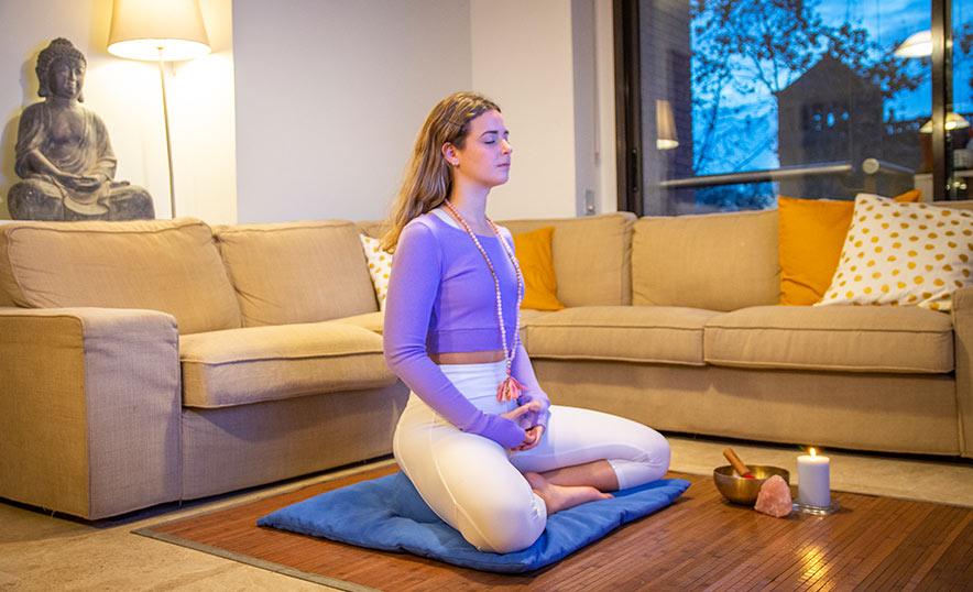 Por qué empezar a practicar yoga ahora es una gran decisión - Portada