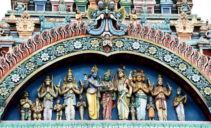 Meenakshi, la diosa guerrera que ganó el trono y el amor de Shiva - Templo dioses
