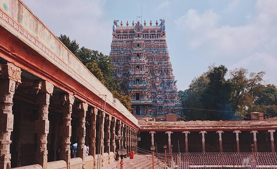 Meenakshi, la diosa guerrera que ganó el trono y el amor de Shiva - Templo perspectiva
